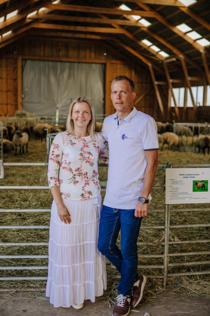 Parima talu valimine. Kädi Kröönkvist ja Priidu Veersalu, Iisaka talu noorpererahvas. Foto: Gelis Pihelgas